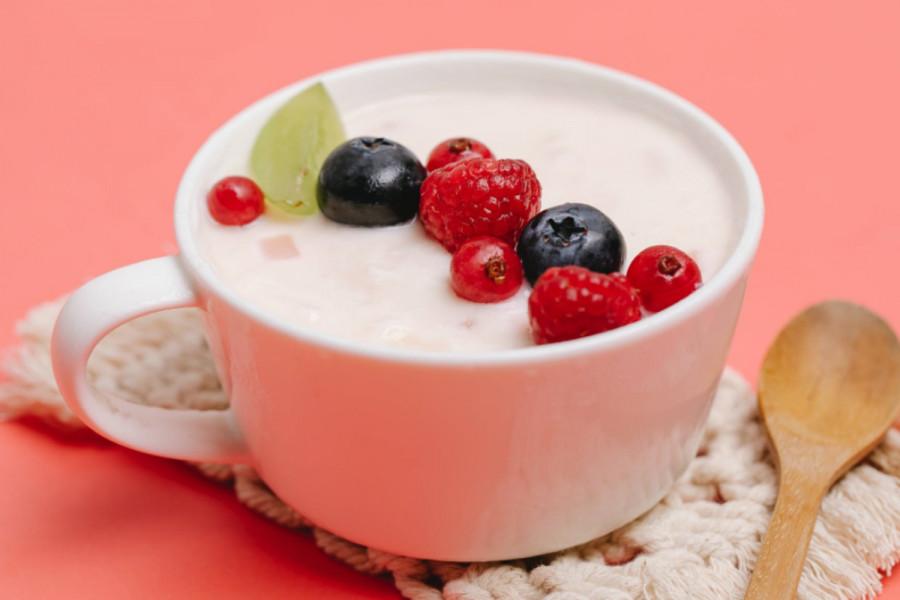 Γιαούρτι: H ιδανική τροφή για πέντε ξεχωριστούς λόγους