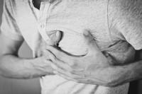 Μυοκαρδίτιδα: Τα συμπτώματα που μπορεί να «κρύβουν» ένα σιωπηλό εχθρό για την υγεία