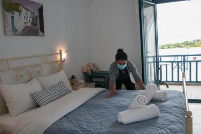 Σχέδιο εμβολιασμού για τους υπαλλήλους μεγάλων ξενοδοχείων