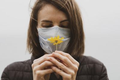 Κορονοϊός: Οι εφιαλτικές μαρτυρίες όσων έχασαν την όσφρηση τους για μήνες