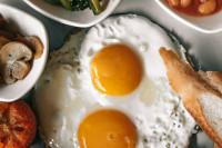 Τα 8 λάθη που πρέπει να αποφεύγεις κατά το μαγείρεμα αυγών