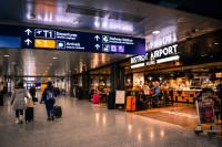 Οι νέοι ταξιδιωτικοί κανόνες για όσους έρχονται στη χώρα μας