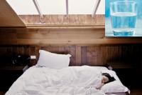 Μπορεί η κατανάλωση νερού να επηρεάσει τον ύπνο σου;