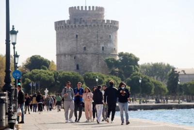 Κορονοϊός Ελλάδα: Πάνω από 800 τα κρούσματα σήμερα - «Κοκκινίζει» η Καστοριά
